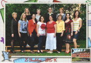 Učitelský sbor 2015/2016 (chybí: Mgr. Jakub Lampart, Dagmar Melecká, Mgr. Olga Stuchlá)